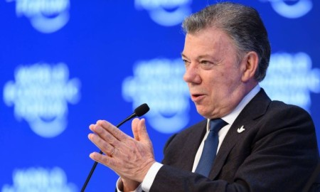 64389707_colombian-president-juan-manuel-santos-gestures-while-speaking-after-he-received-a-prize-fr